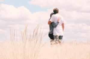 友達以上恋人未満から恋人へ?告白されたらどうする