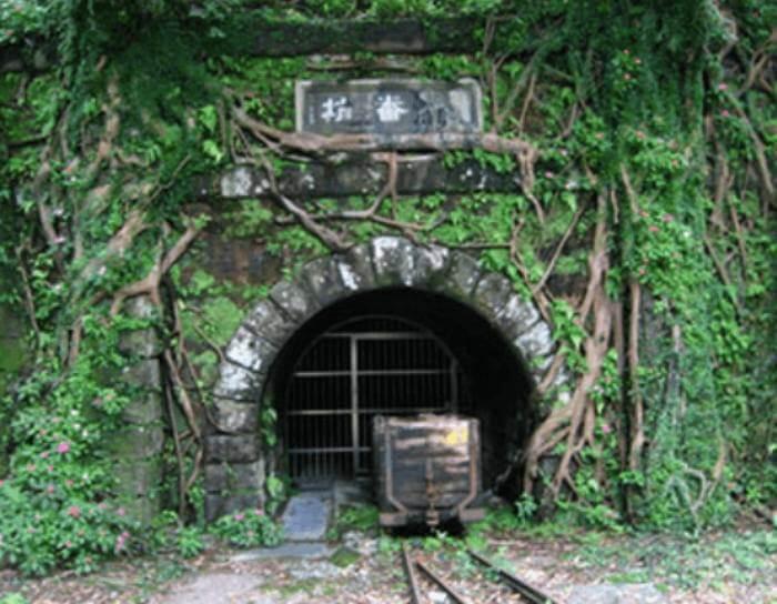 千と千尋の神隠しのトンネルのモデルは台湾
